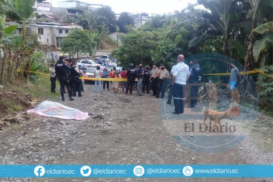 Manabí: El cadáver de un hombre es hallado en un camino empedrado