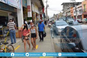 Chone pasó a 'semáforo amarillo' y más de 600 locales comerciales podrán reabrir