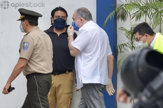 El expresidente Abdalá Bucaram es detenido durante allanamientos por presunto peculado