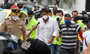 Carlos Luis Morales no seguirá detenido, juez ordena que use dispositivo de vigilancia