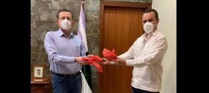 El Comité Especial de Emergencia por Coronavirus de Guayaquil entrega ayuda a municipios de Manabí