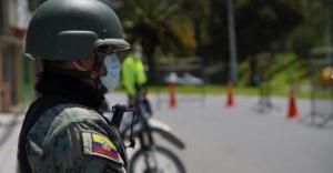 Más de 100.000 sancionados por incumplir el toque de queda en Ecuador