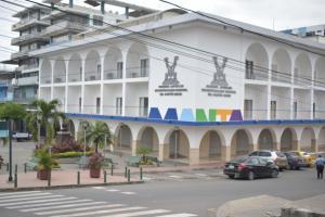 Municipio de Manta separa a 97 funcionarios tras culminación de contratos