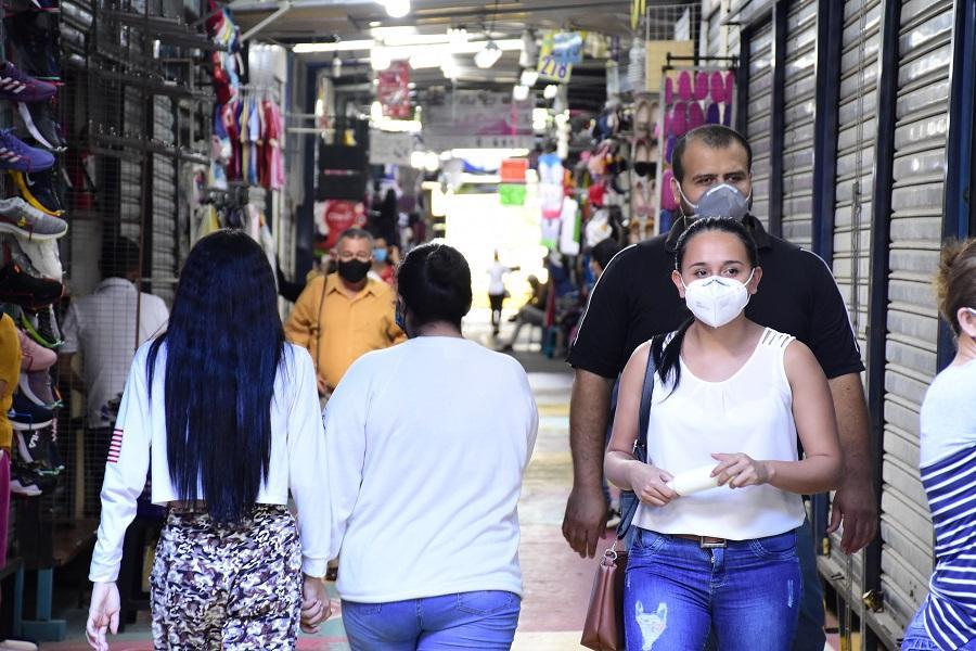 Casi 700 nuevos positivos por COVID-19 en un día en Ecuador, que suma 56.342