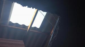 Montecristi: Se metieron por el techo a robar a una farmacia
