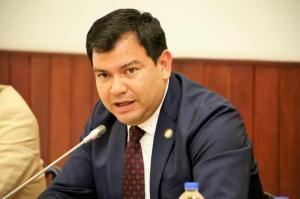 Presidente de la Asamblea anuncia que es positivo para covid-19