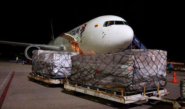 Ecuador recibe de EE.UU. 50 de 250 respiradores donados por la USAID