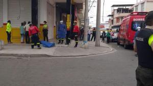 Manta: Hombre habría muerto de un infarto en plena vía pública