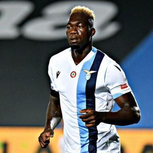 Un gol del ecuatoriano Caicedo no salva a un Lazio que se aleja del título