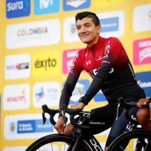 Carapaz y otros cuatro ecuatorianos viajarán a España para sumarse a sus equipos