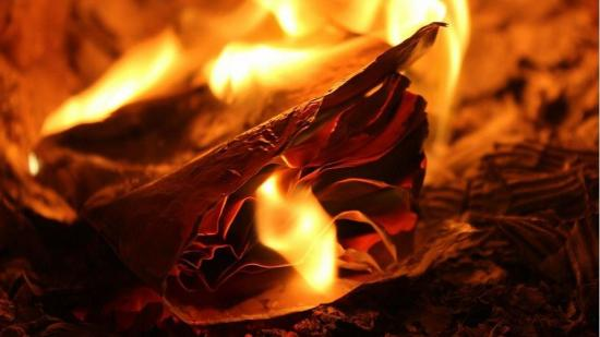 Incendio deja en la calle a familia de Manta