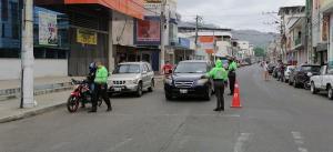 El control vehicular se mantiene en las calles de Portoviejo