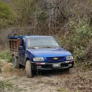 Montecristi: En un allanamiento y una persecución policial localizaron dos vehículos robados
