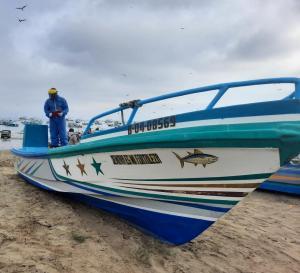 Armada del Ecuador realiza varias inspecciones en los muelles de Manabí