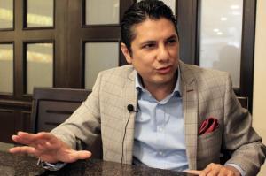 Fernando Balda oficializó su precandidatura a la Presidencia de la República