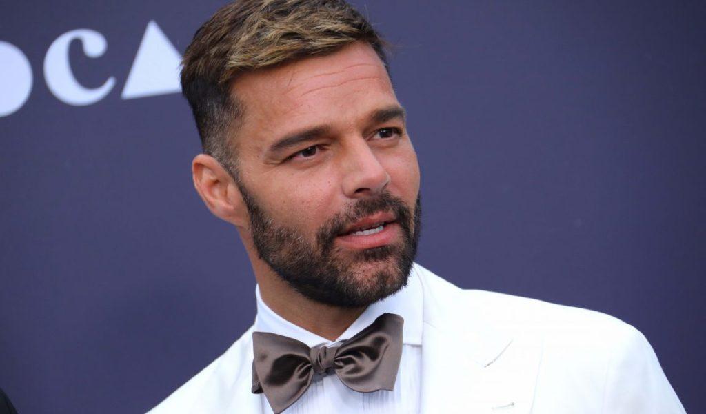 Ricky Martin dice vivir ''muy feliz'' tras admitir hace 10 años que es gay