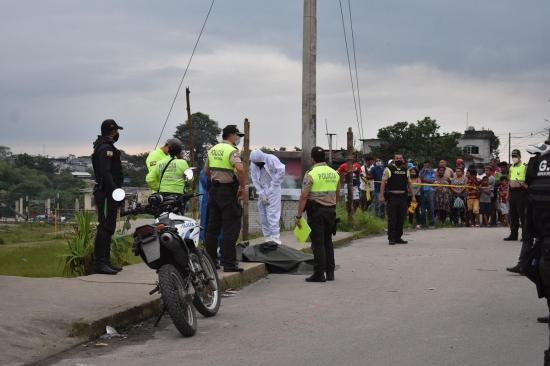 Santo Domingo: Manabita es asesinada a balazos por su conviviente