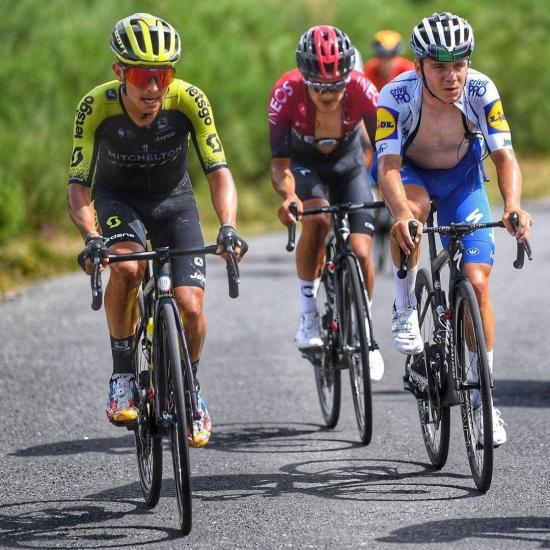 Richard Carapaz se mantiene en el sexto lugar en la clasificación general de la Vuelta a Burgos