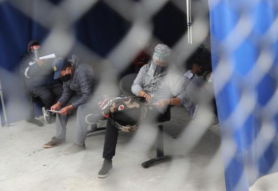 Ocho casos de COVID-19 en Liga de Quito dejan en suspenso partido ante Aucas