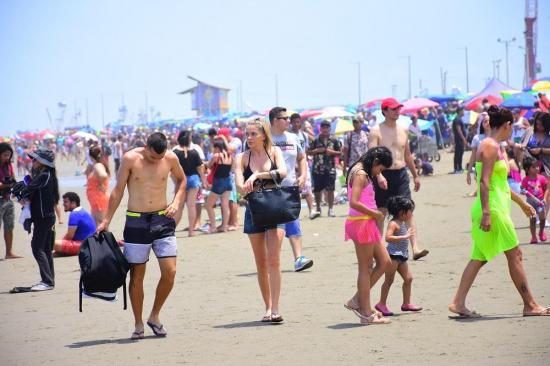 Playas de Manta no se abrirán el 5 de agosto