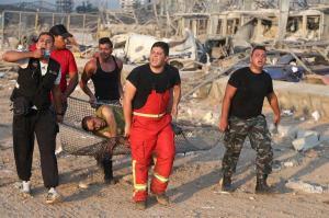 Más de 50 muertos y 2.750 heridos por la explosión en el puerto de Beirut, Líbano