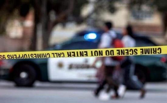 Fiesta en una mansión en colinas de Hollywood termina en tiroteo