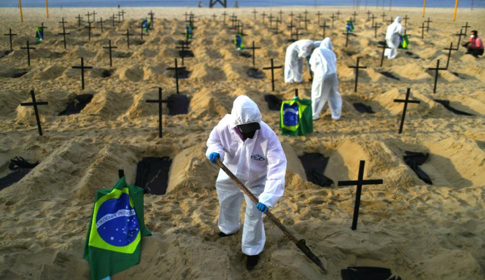 Brasil confirma más de 1.400 muertes a causa del coronavirus, la cifra más alta en un mes