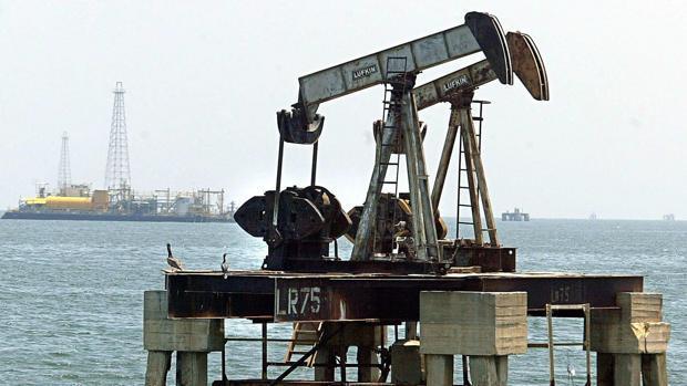 Petróleo de Texas sube un 3,7% por importante bajada en inventarios de EE.UU.