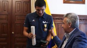El Presidente Lenín Moreno destaca el orgullo por el triunfo de Carapaz