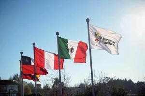 Ecuador suscribe acuerdo con Chile y da un paso hacia la Alianza del Pacífico
