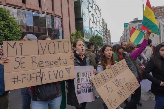 La Fiscalía de Bolivia dice haber hallado material electoral ''apilado'' que demostraría el fraude de 2019