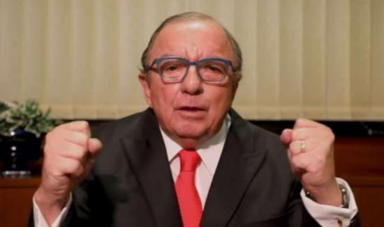 Álvaro Noboa llama a unir fuerzas políticas contra el correísmo