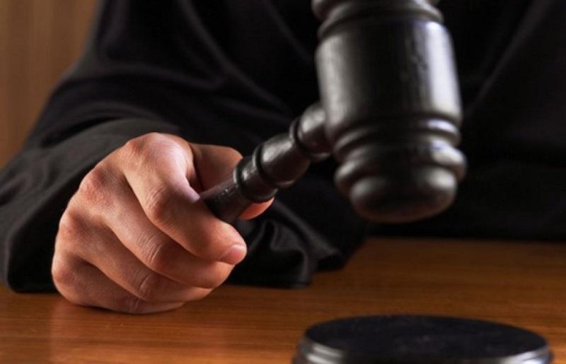 Condenan a un hombre a seis meses de prisión por saltarse la cuarentena para ver a su novia en Australia