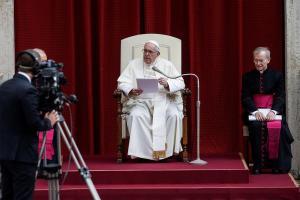 El papa Francisco critica a quien quiere adueñarse de vacunas y sacar ventajas de la Covid-19