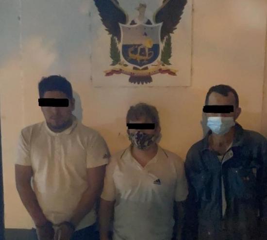 PORTOVIEJO: Tres personas fueron detenidas tras intentar robar un vehículo