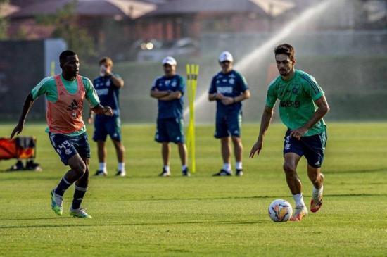 Flamengo viaja a Ecuador sin Diego Alves para medir a Independiente del Valle
