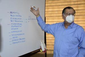La Contraloría confirma la destitución de Vicente Véliz como rector de la UTM