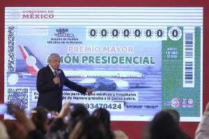 López Obrador califica de ''éxito'' el sorteo del avión y afirma que ya hay una propuesta de compra