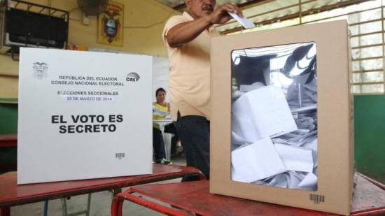 Ecuador asigna 1,35 millones de dólares a inscripciones en comicios de 2021