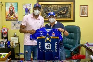 Delfín anuncia la contratación del portero Máximo Banguera