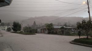 Cantones de seis provincias afectados por ceniza del volcán Sangay