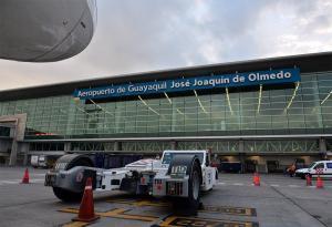 Aeropuerto de Guayaquil estará cerrado durante dos horas por la caída de ceniza del volcán Sangay