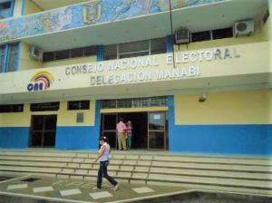 Computadoras y otros equipos fueron robados del CNE de Manabí