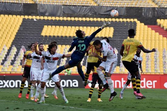 Barcelona SC cae 1-2 ante Flamengo y queda eliminado de la Copa Libertadores