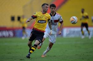 Rodrigo Caio de Flamengo dio positivo en Covid-19, ayer jugó ante Barcelona SC