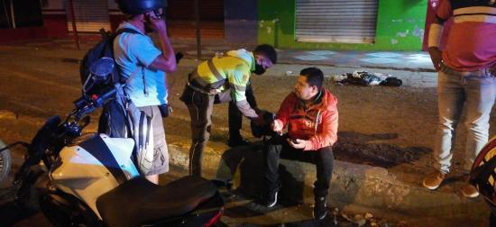 Hombre queda herido tras caer de una moto en el Paso Lateral Manabí Guillem