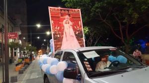 Cientos de devotos de la Virgen de la Merced la acompañaron en la procesión motorizada