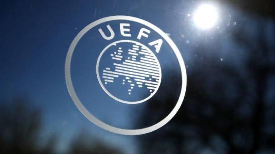 UEFA autoriza cinco cambios en la Champions, Liga Europa y Liga de Naciones