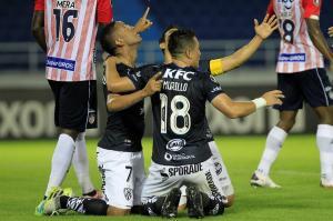 Un jugador de Independiente del Valle contagiado de COVID-19 tras duelo ante Junior