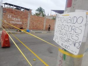 Habitantes de Santa Martha cierran el paso a los vendedores ambulantes que usan megáfonos